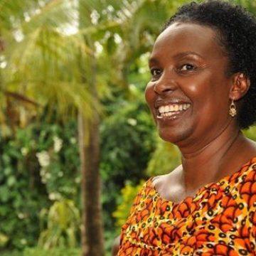 Dr.-Esther-Getambu